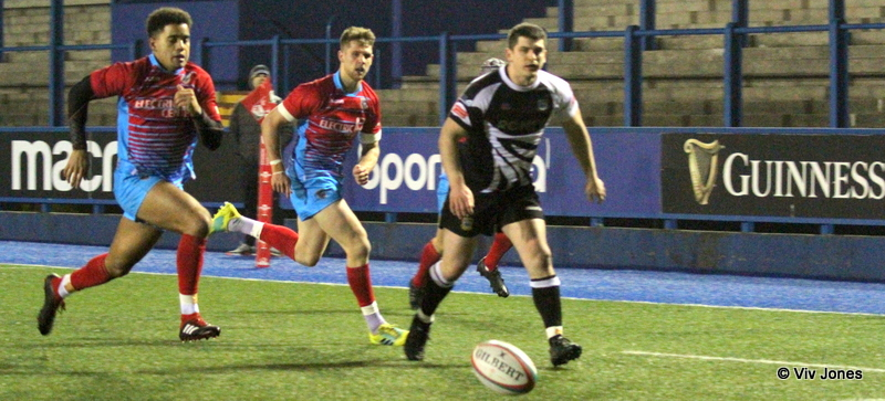 Cardiff 35 – Bedwas 17